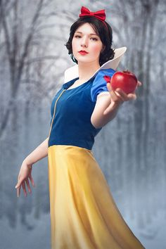 Snowwhite by simplearts.deviantart.com