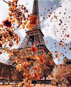 #paris #parisfrance #eiffeltower #eiffel #photography #parisphotography #autumn #autumnleaves Visit France, Eiffel Tower Photography, France Photography, Photography Trips, Paris Wallpaper, City Wallpaper, France Travel, Paris Travel, Paris City