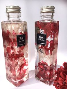 Cute Water Bottles, Flower Bottle, Cafe Food, Bottle Design, Aesthetic Food, Dried Flowers, Body Care, Bath And Body, Packaging Design