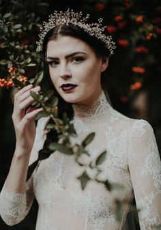 Moody fall wedding inspiration for the romatic bride via @gws. Follow us @kwhbridal