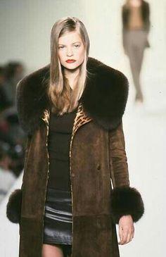 Fur Coat, Women's Fashion, How To Wear, Jackets, Beautiful, Down Jackets, Fashion Women, Womens Fashion