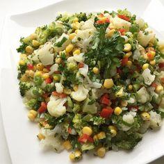 """1,090 Beğenme, 11 Yorum - Instagram'da Lezizsofralar (@lezizsofralar): """"Tamda zamaniyken bolca karnibahar ve brokoli tüketmeli... Karnibahar-Brokoli Salatasi Yarim…"""""""