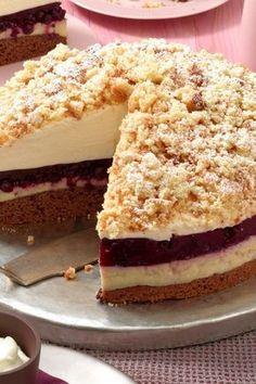 Easy Cake : Blueberry Eggnog Cake: Perfect for Holidays & Co - Recipes - bildderfrau . Mini Desserts, Holiday Desserts, Holiday Recipes, Food Cakes, Eggnog Cake, Snack Recipes, Dessert Recipes, Blueberry Recipes, Blueberry Cake