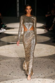 Fashion Killa, Runway Fashion, Fashion Show, Fashion Design, Julien Macdonald, Night Club Outfits, Black Women Fashion, Red Carpet Fashion, Wedding Party Dresses