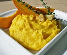 Bramborovo - dýňová kaše s pečeným česnekem
