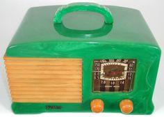 Vintage Tv, Vintage Antiques, Vintage Stuff, Radios, Art Deco Jewelry, Sound & Vision, Legos, A Table, Green