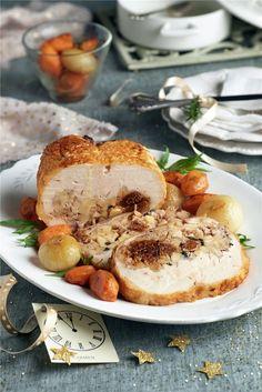Pularda rellena de manzana, higos y nueces. ¡Una delicia para el paladar! Cute Diys, Sin Gluten, Poultry, Camembert Cheese, Food To Make, Turkey, Vegan, Meals, Chicken
