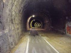 Le Gallerie della vecchia ferrovia presso Bolzano Ciclopista del Sole