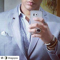 As pulseiras Dracma te acompanham em qualquer ocasião.  .  Se liga na elegância do nosso querido cliente @thiagopsx .  Experimente você também.  Ouse em suas produções.  Use Dracma!!!  .  #dracma #dracmapormion #marcosmion #dracmabrasilia #dracmasorocaba