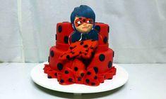 Bolo-Ladybug-de-pasta-Americana-5 Bolo Ladybug 24 Ideias Incríveis e Vídeo com Passo a Passo #Bolo #Ladybug #BoloLadybug Ladybug 2, Ladybug Cakes, Ladybug Party, Festa Lady Bag, Bolo Lady Bug, 4th Birthday, Birthday Cake, Superhero Cake, Miraculous Ladybug