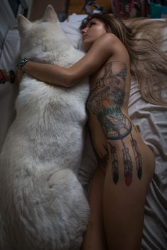 "kyoslittlemonster: ""sexgirlsandtattoos: "" My wolf child and my self "" Nice full side piece """
