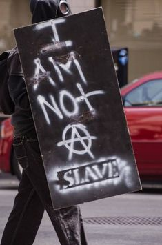 I am not a slave - anarchy. V Pour Vendetta, Estilo Punk Rock, Arte Punk, Urbane Kunst, Punks Not Dead, Power To The People, Post Apocalypse, Writing Inspiration, Peace