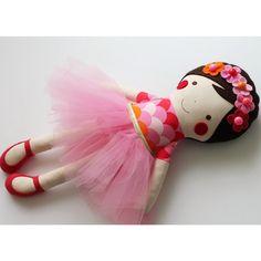 "108 Likes, 14 Comments - ❤️ blita ❤️ (@blitafelix) on Instagram: ""☀️ Springtime ☀️ #blita #handmade #ragdolls #6WeeksOfSofties #fabricdolls #flowers #pink…"""