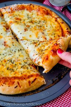 Extra Cheese Pizza on thick-style homemade pizza crust. Step-by-step visual tutorial on sallysbakingaddic… Extra Cheese Pizza on thick-style homemade pizza crust. Step-by-step visual tutorial on sallysbakingaddic… I Love Food, Good Food, Yummy Food, My Favorite Food, Favorite Recipes, Sallys Baking Addiction, Food Cravings, Italian Recipes, Food Porn