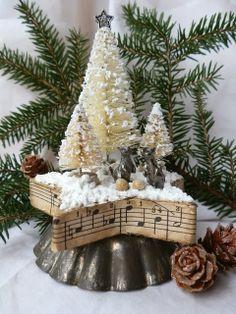 Vintage Christmas:: Oud bakblik en muziek papier