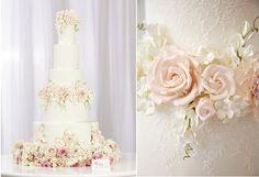 Červenajúcej Blooms svadobná torta od Peggy  doplniť drobnými kvietkami