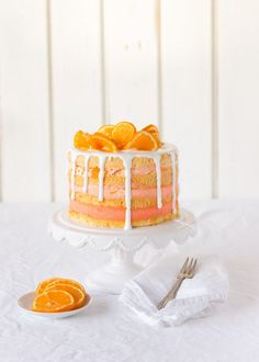 Naked cake with mandarins