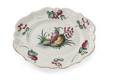 Lunéville. Plat ovale à décor polychrome d'un chinois et de motifs floraux chatironnés. XVIIIe siècle