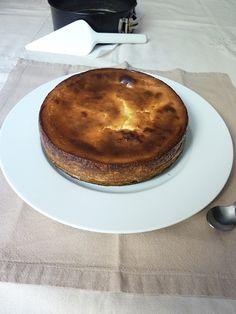 Aquí va otra tarta más de queso para la colección, esta vez una tarta Polaca. De mi amiga Bea , es una tarta sencillísima de hacer y mu...