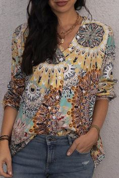 Vintage Abstract Floral Print Paneled V-neck Blouse - Diorer Floral Tops, Floral Prints, V Neck Blouse, Types Of Sleeves, Different Styles, Blouses For Women, Casual Shirts, Going Out, Shirt Designs