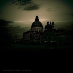 Mysterious Photos of Venice Cloaked in Darkness - My Modern Metropolis
