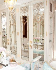 ♫ La-la-la Bonne vie ♪ Would love these as closet doors