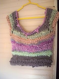 my friend Andrea knitted this from yarns she made out of old tshirts, then hand dyed them!  awesome