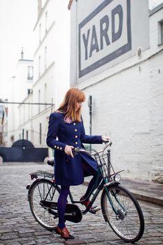 Winter Blues: 9 Uplifting Blue Bike Accessories