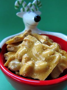 Easy Peanut Brittle- This sounds so easy to make. I am going to add it to my holiday candy. I may even have my students make some for the Christmas party. - Pam