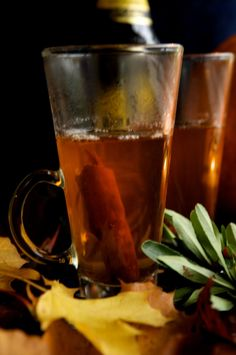 10 finom téli ital, amit otthon is elkészíthetsz magadnak - Stíler blog Moscow Mule Mugs, Vodka, Drinks, Tableware, Drinking, Beverages, Dinnerware, Tablewares, Drink