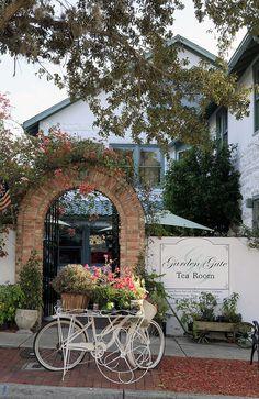 Garden Gate Tea Room in downtown Mount Dora