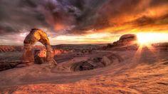 Puesta De Sol Montanas Del Desierto