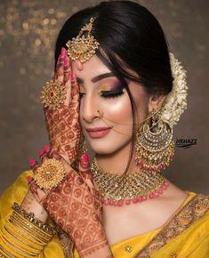 Bridal Hairstyle Indian Wedding, Bengali Bridal Makeup, Indian Wedding Makeup, Bridal Eye Makeup, Indian Wedding Bride, Bridal Makeup Looks, Indian Bridal Fashion, Pakistani Bridal Dresses, Bridal Poses