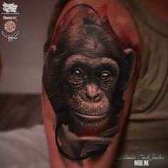 Realistic Monkey Tattoo by NOIRE INK Tattoo Parlour @killerink @hustlebutterdeluxe @worldfamousink @FKIrons