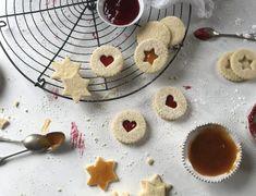 Linzer Kekserl Pudding, Cookies, Desserts, Food, Sheet Pan, Graham Cracker Recipes, Crack Crackers, Tailgate Desserts, Puddings