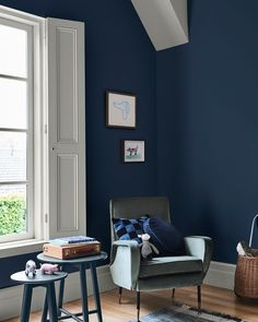 Behind the Style ⎮ This beautifully serene palette is the perfect colour scheme to cosy up this winter. Dulux Winter Sea brings a relaxing… Dulux Paint Colours, Interior Paint Colors, Dulux Blue Paint, Wall Colors, Pale Blue Walls, Complimentary Color Scheme, Cool Color Palette, Cosy Bedroom, Color Schemes