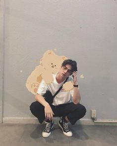 """the series❤ ❤Vì chúng ta là một đôi ❤ """"𝙄 𝙝𝙖𝙫𝙚 𝙗𝙚𝙚𝙣 𝙞𝙣𝙩𝙤𝙭𝙞𝙘𝙖𝙩𝙚𝙙 𝙗𝙮 𝙩𝙝𝙚𝙞𝙧 𝙡𝙤𝙫𝙚 ! (⸝⸝⸝ᵒ̴̶̷̥́ ⌑ ᵒ̴̶̷̣̥̀⸝⸝⸝) Tine x Sarawat Bright Wallpaper, Wallpaper Iphone Cute, Galaxy Wallpaper, Cool Boy Image, Korean Boys Ulzzang, Gay Aesthetic, Bright Pictures, Boy Images, Instagram Frame"""
