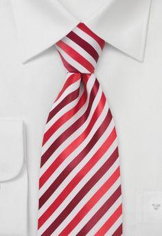 Corbata hombre rayas tonos rojos  Esta corbata sí queaporta estilo a su camisa. La corbata tiene un diseño a rayas en tonos rojos sobre un fondo blanco. Una corbata para hombre que ha sido confeccionada con materiales de alta calidad y tejida a mano.http://www.corbata.org/corbata-hombre-rayas-tonos-rojos-p-13901.html