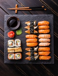 ( Sushi is my very favorite food. Unfortunately, I have come to develop a avocado allergy. For those of you who don't know, avocado is a fairly common ingredient in sushi, so I now have to be more careful when I eat it. I Love Food, Good Food, Yummy Food, Yummy Lunch, Seafood Recipes, Wine Recipes, Sushi Comida, Comfort Food, Aesthetic Food