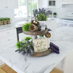 Calacatta Marble by Formica Group counters make every arrangement more elegant! Creative Thinking, Creative Ideas, Calcutta Marble, Kitchen Redo, Kitchen Ideas, Formica Countertops, Countertop Materials, Wood Slab, Old Houses
