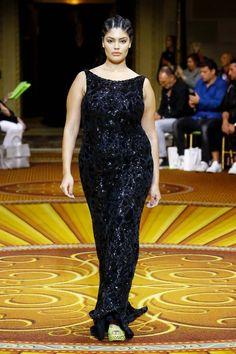 Curvy Fashion, Womens Fashion, Mode Plus, Evening Dresses, Formal Dresses, Christian Siriano, Red Carpet Dresses, Fashion Show, Fashion Tips