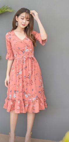 Fashion Over 50, Kids Fashion, Fashion Outfits, Chifon Dress, Cotton Frocks For Kids, I Dress, Dress Patterns, Pretty Dresses, Casual Dresses