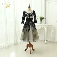 2017 Beach Wedding Gowns Black / Champagne Lace Tulle Half Sleeve Sweetheart Tea Length Wedding Dresses Vestido De Noiva OT029