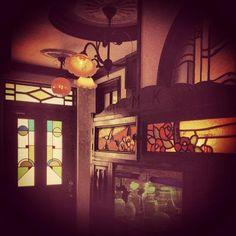 大正時代のカフェーの雰囲気。すてき♪♪ pic.twitter.com/I5LwcgecBM
