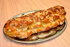 Babiččina vánočka - www.krasnevanoce.cz Macaroni And Cheese, Crinkles, Ethnic Recipes, Food, Mac And Cheese, Essen, Meals, Yemek, Eten