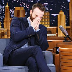 Chris Evans visits 'The Tonight Show Starring Jimmy Fallon' at Rockefeller Center on April 2015 in New York City. Most Beautiful People, Beautiful Boys, Captan America, Drax The Destroyer, Hottest Male Celebrities, Celebs, Robert Evans, Chris Evans Captain America, Man Thing Marvel