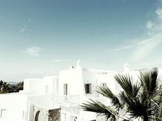 San Giorgio Hotel Mykonos is a Wedding Venue in Mikonos, Egeo, Greece. See photos and contact San Giorgio Hotel Mykonos for a tour. Mykonos Grecia, Mykonos Island, Mykonos Hotels, Luxury Hotels, Design Hotel, San Giorgio Mykonos, Greece Architecture, Amazing Architecture, Casa Hotel