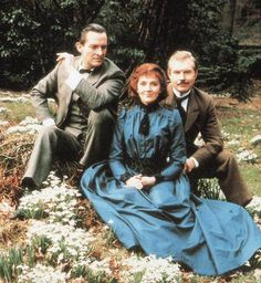 From 1985, Jeremy Brett, David Burke, and Natasha Richardson performed as…