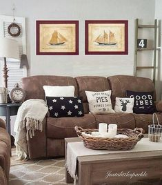 Outstanding Microfiber Couch Farmhouse Living Room Decor Ideas These pillows are so cute! The post Microfiber Couch Farmhouse Living Room Decor Ideas These pillows are so cute!… appeared first on Derez Decor . Living Room Remodel, My Living Room, Apartment Living, Small Living, Cozy Living, Rustic Apartment, Living Room Decor Brown Couch, Brown Living Rooms, Apartment Layout