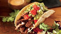 Treat your family to restaurant-style steak tacos tonight! Beef Recipes, Mexican Food Recipes, Cooking Recipes, Drink Recipes, Recipies, Carne Asada, Tempura, Beef Dishes, Food Dishes